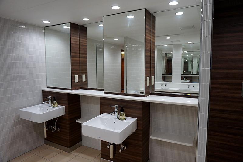guide_2_restroom_l